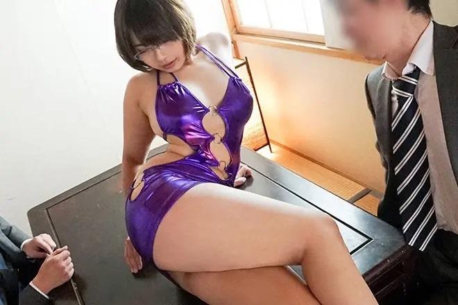 エキストラ募集で面接にやってきた 8年間セックスレスの39歳G爆乳子持ち人妻 赤瀬尚子2