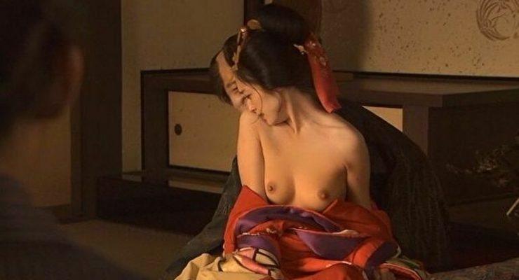 有名女優のヌードエロ画像・安達祐実2