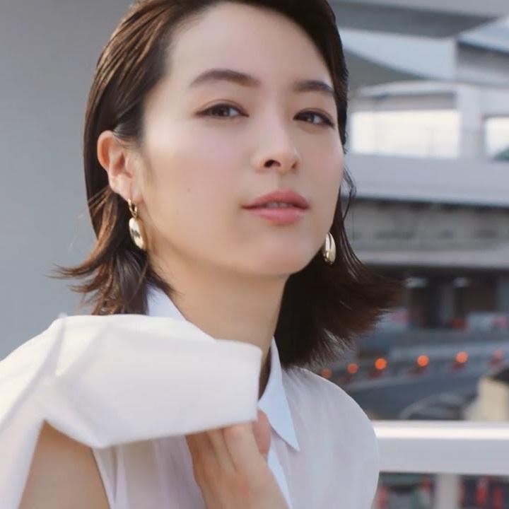ヌードを披露した女性芸能人・清野菜名
