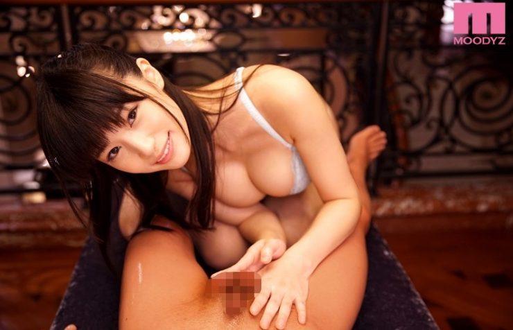 巨乳のAV女優・高橋しょう子