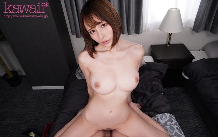 美乳のAV女優・伊藤舞雪